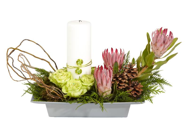 More modern Christmas centerpieces