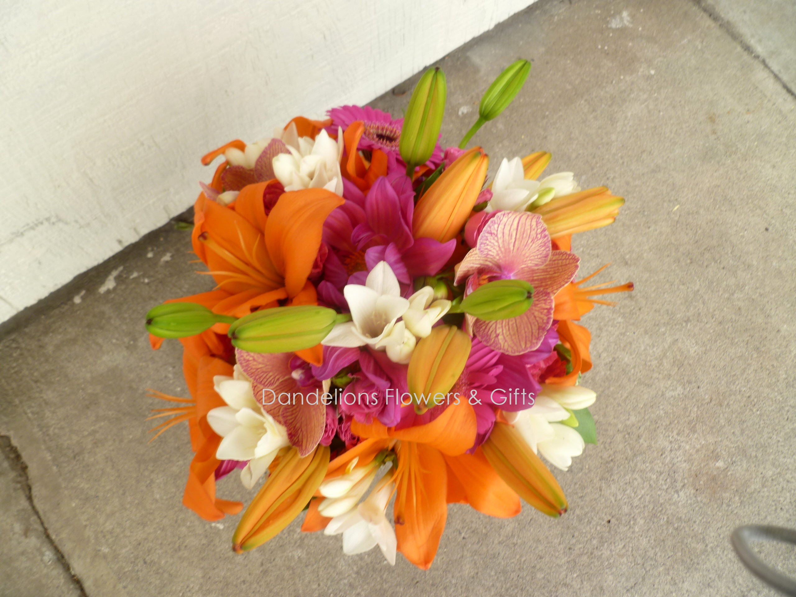Wedding Flowers: traditional hawaiian wedding flowers