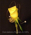 WED104 Gold Star Boutonniere WM