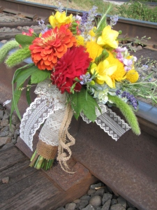 burlap and lace in wedding flowers
