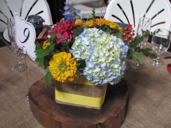 woodsy rustic reception flowers