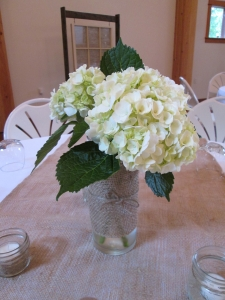 hydrangea and burlap centerpieces