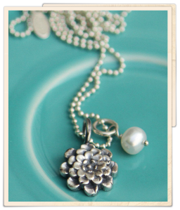 the vintage pearl necklace