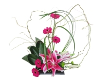 contemporary valentines day flower arrangement